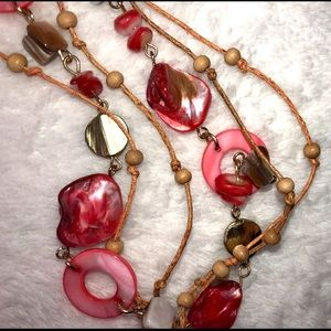 unbranded Jewelry - 💎BOGO FREE! Pink and red shell boho necklace!🐚💎